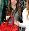 Miley Cyrus comprando