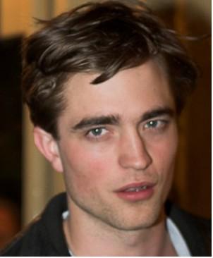 Robert Pattinson era vestido de niña