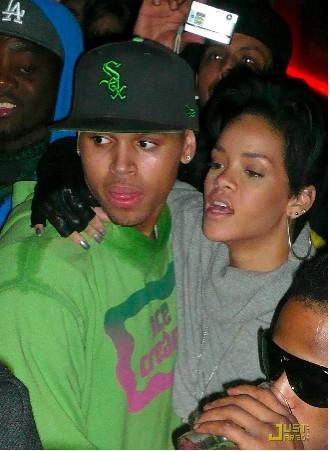Aseguran que Rihanna sí tiene golpes en su rostro