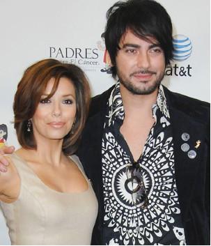 Beto Cuevas y Eva Longoria contra el cáncer
