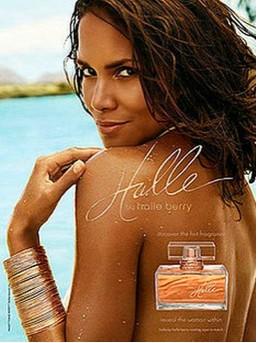 Halle Berry promociona su perfume muy sexy