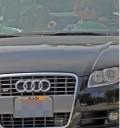 Zac Efron manejando el Audi de Vanessa Hudgens