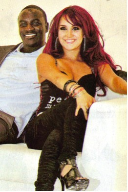 Dulce María grabó con Akon el video de Beautiful