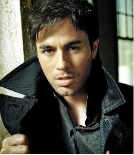 Enrique Iglesias podría interpretar el tema musical de Mi Pecado