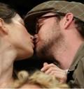 Justin y Jessica besándose