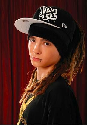 Fan acusa a Tom Kaulitz de Tokio Hotel de golpearla