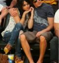 Vanessa Husgens y Zac Efron en juego de Los Lakers en Los Angeles