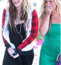 Avril Lavigne con su amiga