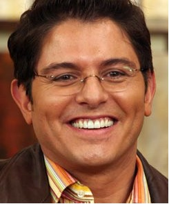Se ausenta Ernesto Laguardia de HOY por la salud de su hijo