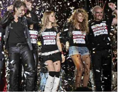 Paulina Rubio cantó Volver Volver con Alejandro Fernández