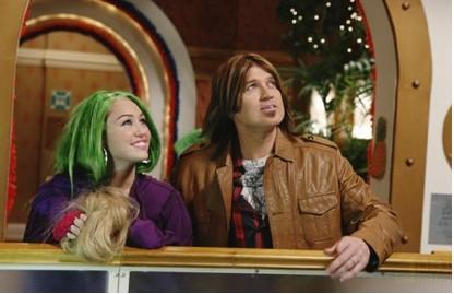Miley Cyrus con pelucas