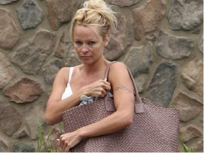 Pamela Anderson muy desmejorada