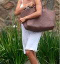 Pamela Anderson despeinada y sin maquillaje