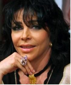 Verónica Castro en Los Exitosos Perez