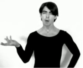 Joe Jonas baila Single Ladies como Beyonce