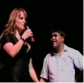 Jenni Rivera con Chico con Sindrome de Down