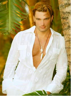 Julian Gil