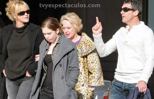 Antonio Bandras con su familia