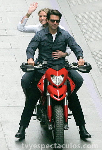 Tom Cruise y Cameron Díaz grabando knight and Day