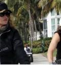 Paulina en bici con Colate