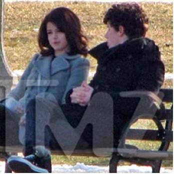 Selena Gomez de paseo con Nick Jonas