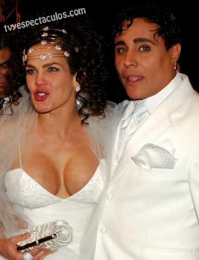 Niurka con Eduardo Antonio vestidos de novios