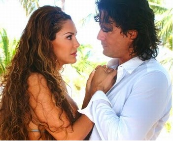 Ninel Conde y Mario Cimarro en Mar de Amor