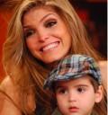 Ana Barbara festeja el dia de las madres en el Show de Cristina