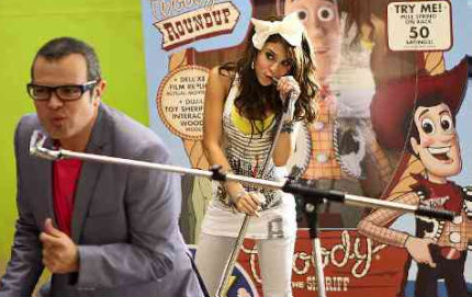 Danna Paola graba el video Yo Soy tu amigo Fiel