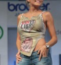 Angelique Boyer en desfile