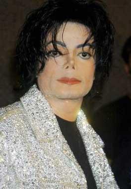Aparecen Fotos de Michael Jackson en el momento de su autopsia