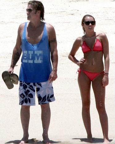 Miley Cyrus disfruta de las playas mexicanas