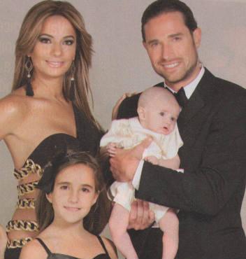 Sebastian Rulli y su familia