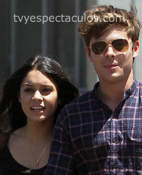 Vanessa Hudgens y Zac Efron muy enamorados
