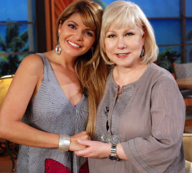 Itati Cantoral en el Show de Cristina
