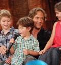 Guy Ecker con sus hijos en el Show de Cristina