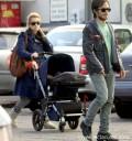 Gael Garcia con Dolores Fonsi y su hijo