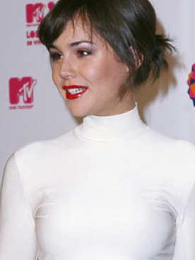 Camila Sodi se lanza como cantante