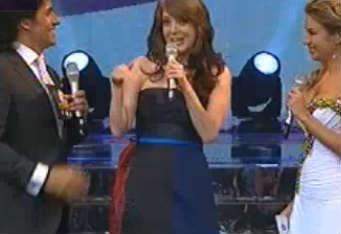 Edith González se presenta en Tv Azteca en La Academia Bicentenario
