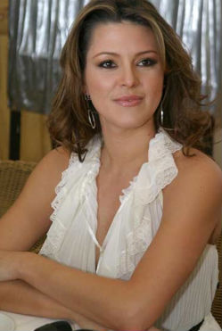 Alicia Machado cierra Twitter por críticas e insultos