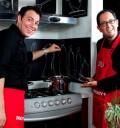 Alvaro Cueva en la cocina