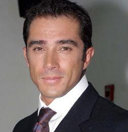 Pide 10 millones de pesos Sergio Mayer a Gustavo Adolfo Infante para retirar demanda