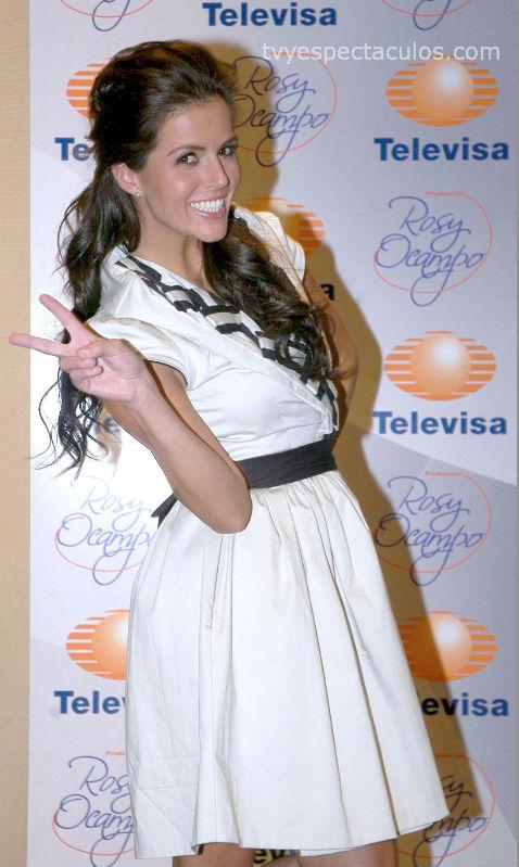 Claudia Álvarez protagonista de Simplemente María