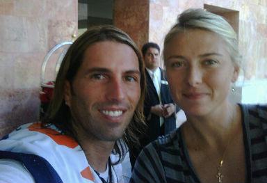 Poncho de Nigris y su novia