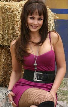 Anette Michel o Gaby Spanic protagonizarán Emperatriz en Tv Azteca