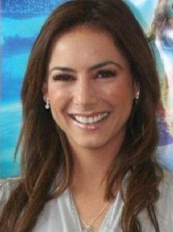 Claudia Lizaldi regresa a la conducción con Rumbo a 2012