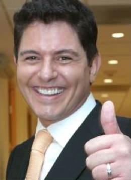 Aurora Valle Presenta el lado humano de Ernesto Laguardia