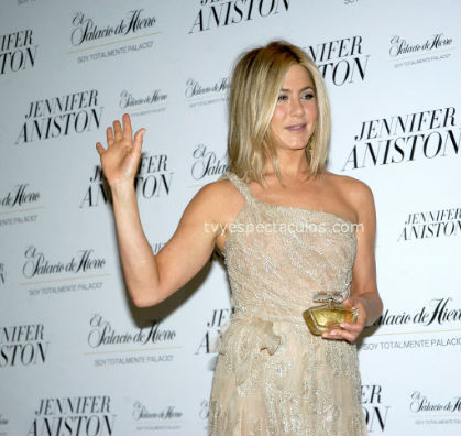 Critican actitud de Jennifer Aniston en México