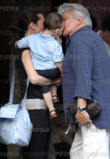 Alberto Vázquez a los 70 años captado con su hijo