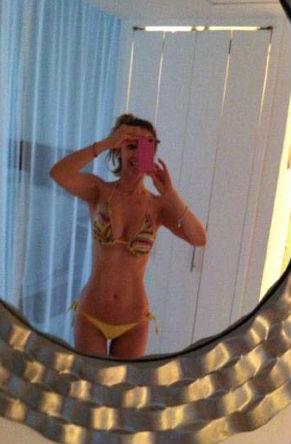 Aracely Arámbula se muestra en bikini en Twitter